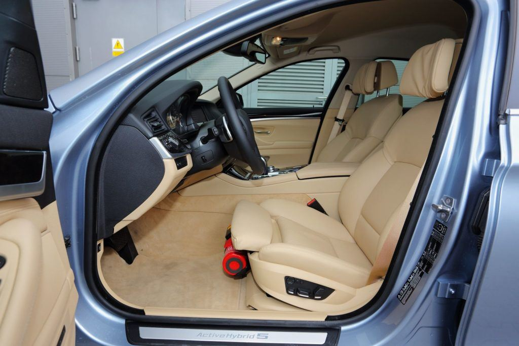 BMW serii 5 (F10) - fotel kierowcy (2)
