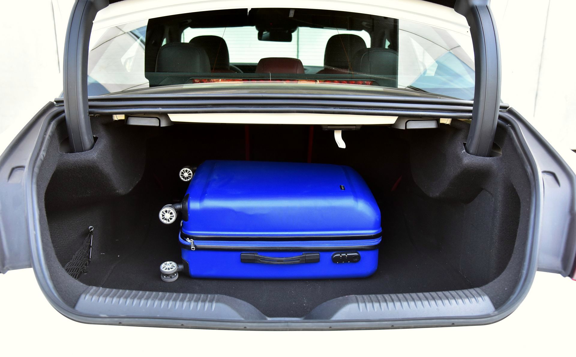 Mercedes CLS - bagażnik