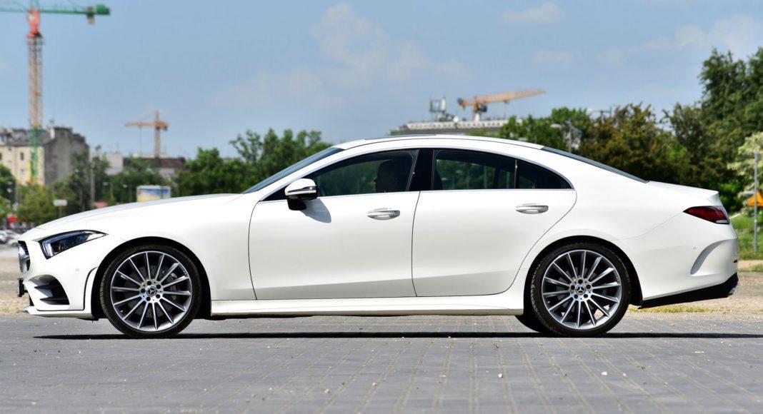 Mercedes CLS - bok