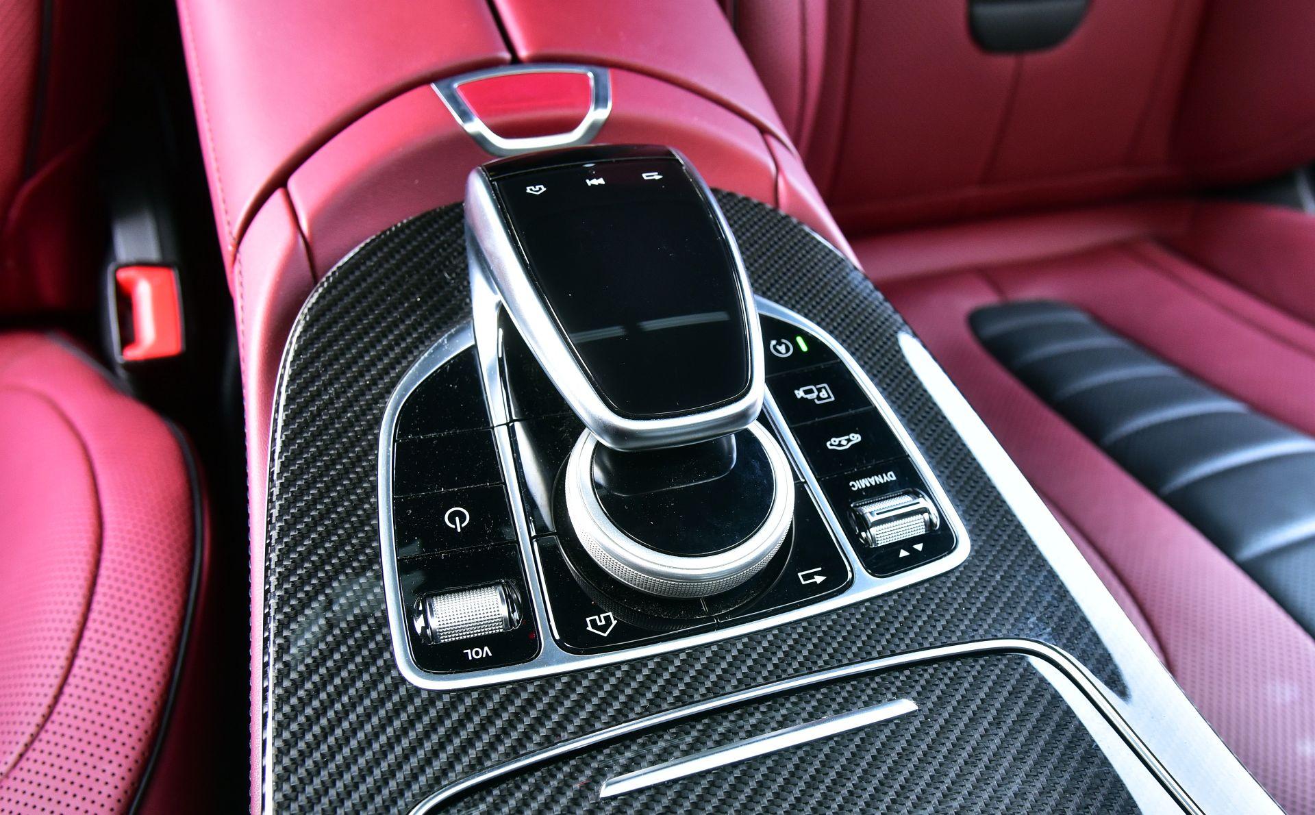 Mercedes CLS - pokrętło (2)