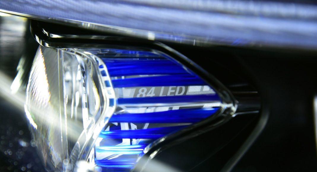 Mercedes CLS - reflektor