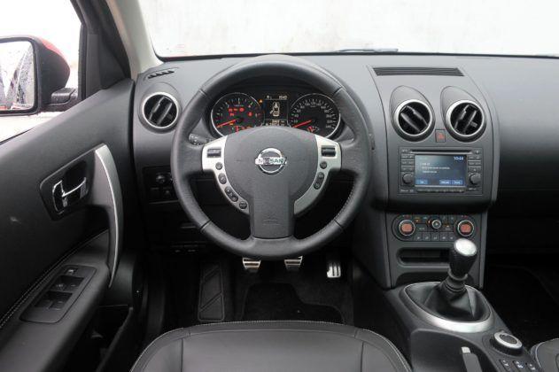 Nissan Qashqai I - deska rozdzielcza