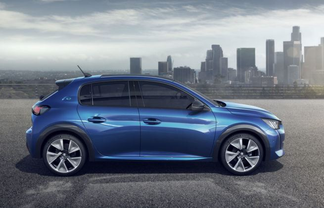 Peugeot 208 (2019) - bok
