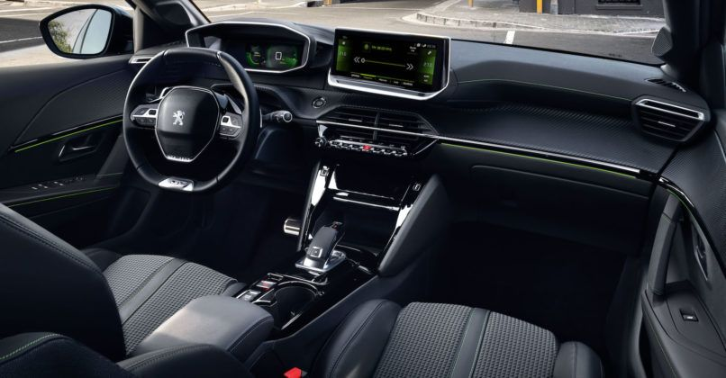 Peugeot 208 (2019) - kokpit
