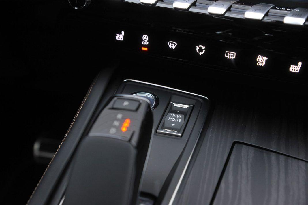 Peugeot 508 - przycisk