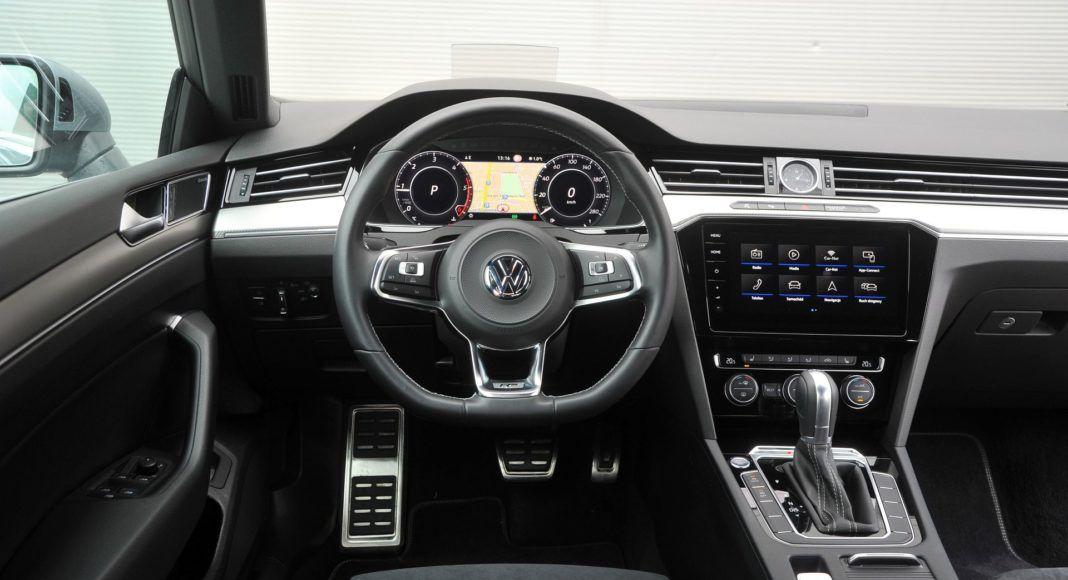 Volkswagen Arteon - deska rozdzielcza