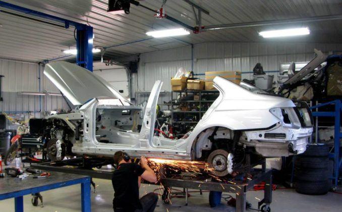 """Mercedes C 63 AMG z nadwoziem """"190"""", stylizowany na 190 E 2.5-16 Evolution II, źródło: Piper Motorsport"""