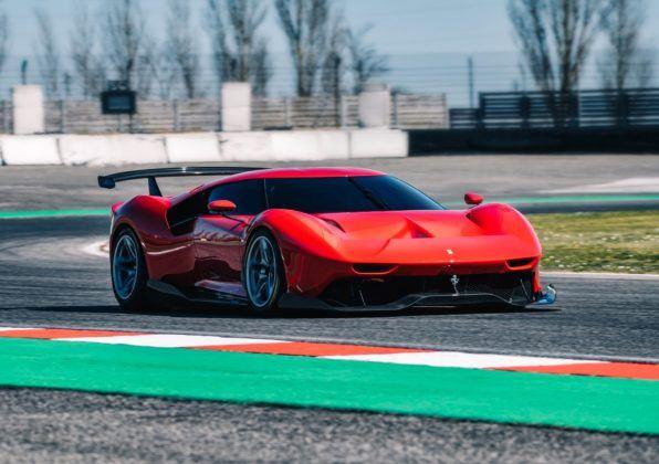 Ferrari P80/C - przód