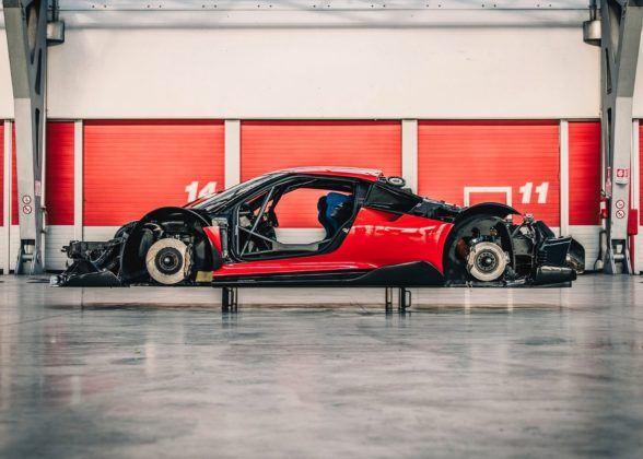 Ferrari P80/C - podwozie
