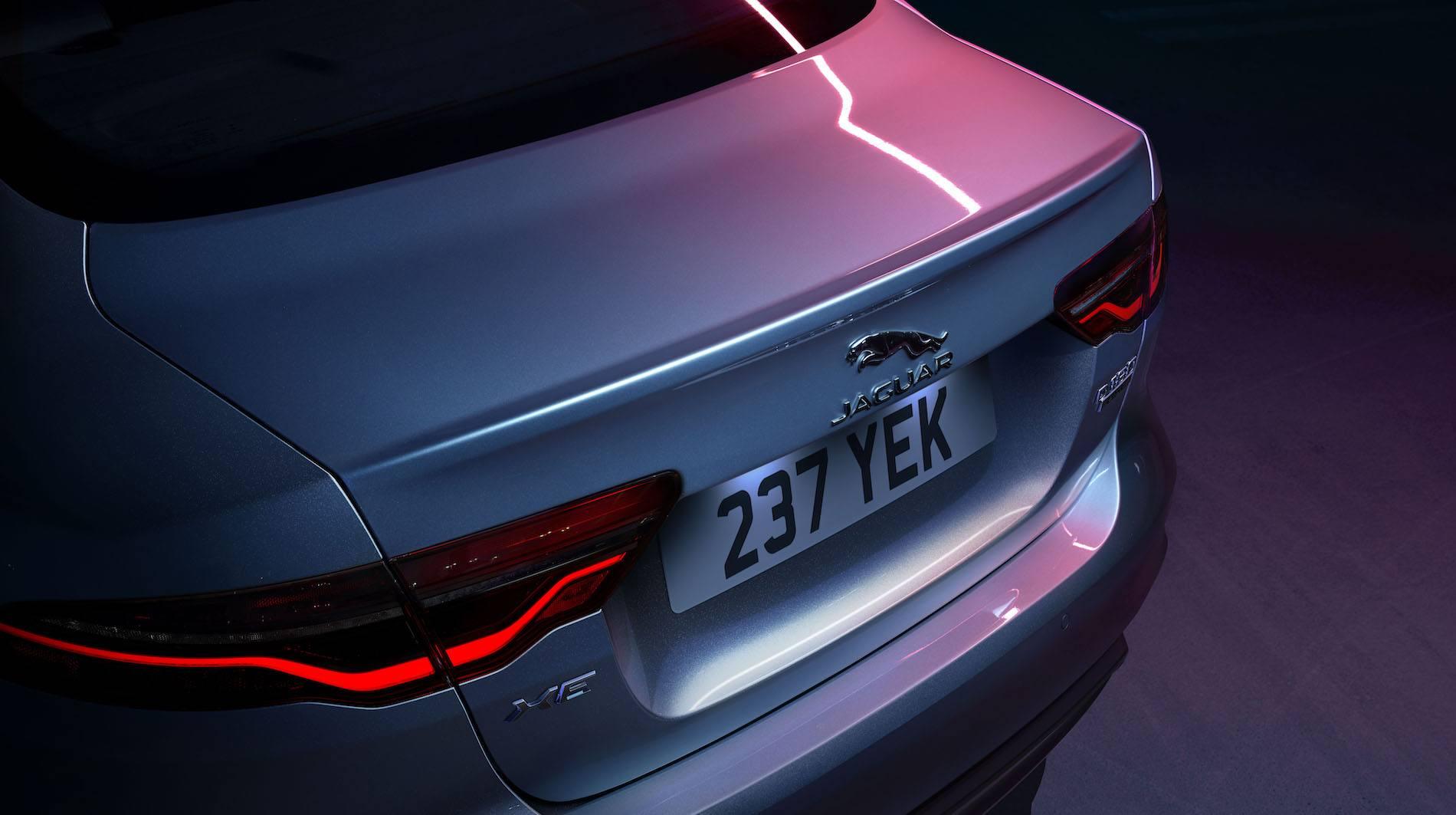 2020 Jaguar XE - lampa