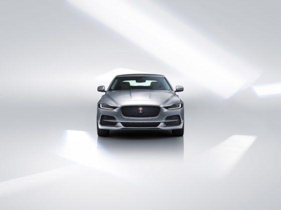 2020 Jaguar XE - przód