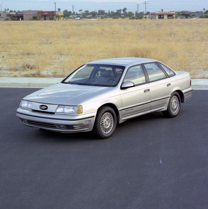 Ford Taurus (1989)