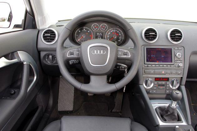 Audi A3 II - deska rozdzielcza