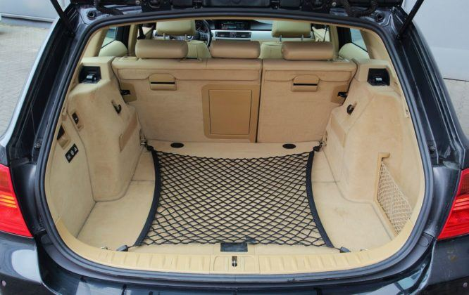 BMW serii 3 E90 - bagażnik (2)