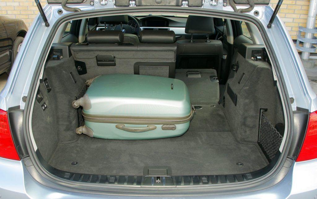 BMW serii 3 E90 - bagażnik (4)