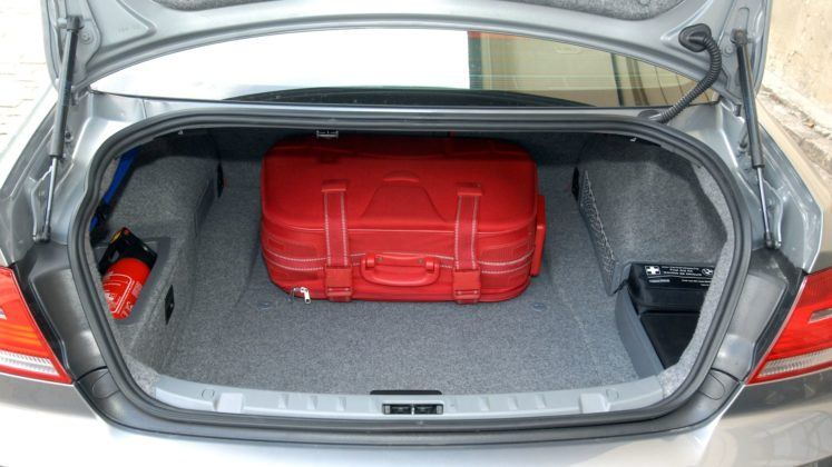 BMW serii 3 E90 - bagażnik