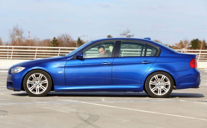 BMW serii 3 E90 - bok