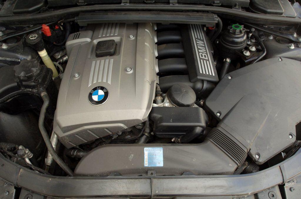BMW serii 3 E90 - silnik 325i