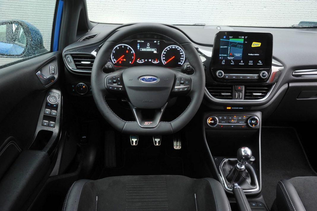 Ford Fiesta VII ST - deska rozdzielcza