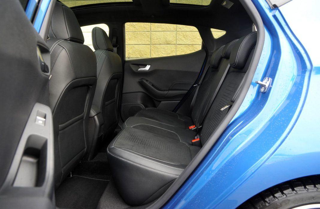 Ford Fiesta VII ST - kanapa