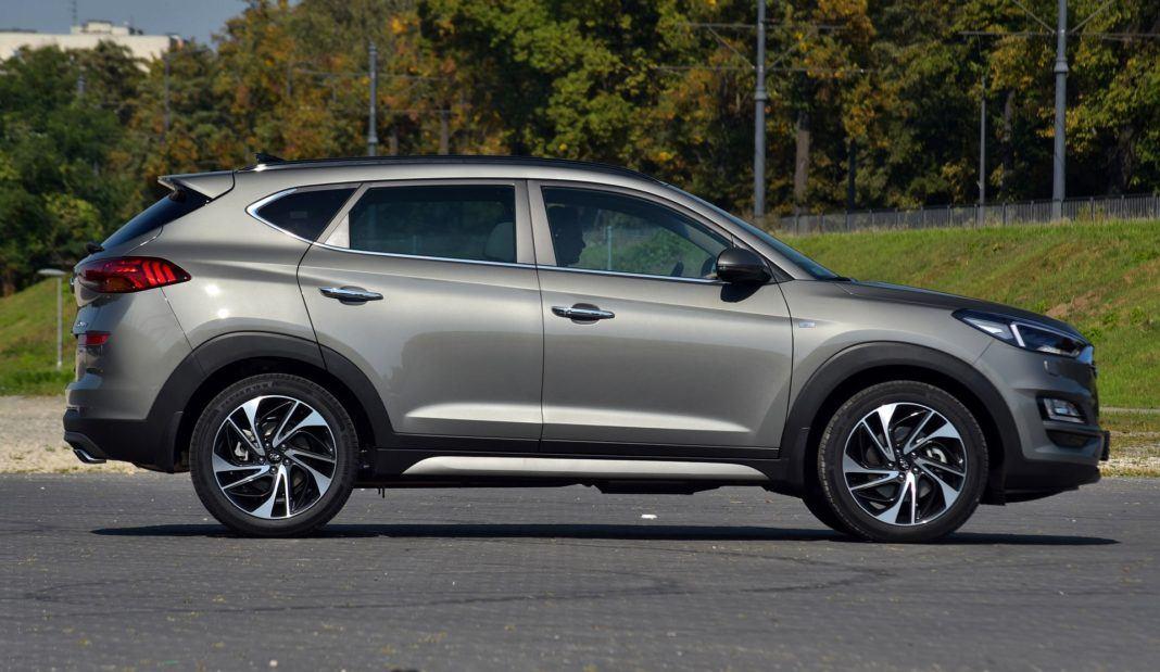 Hyundai Tucson 1.6 T-GDI - bok
