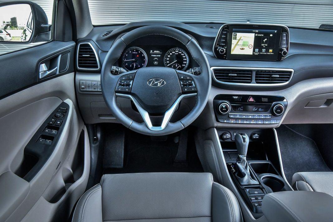 Hyundai Tucson 1.6 T-GDI - deska rozdzielcza