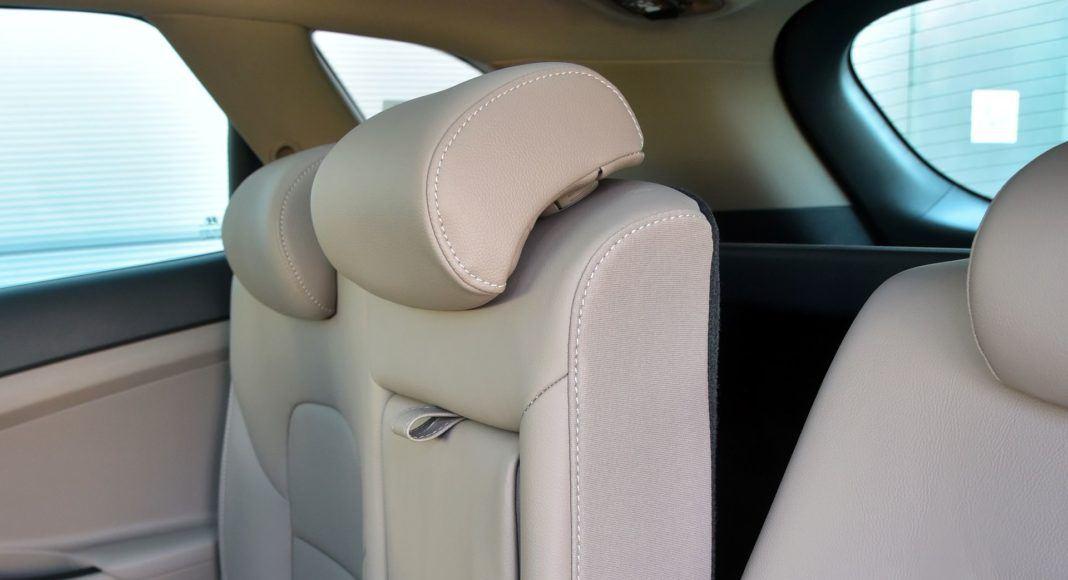Hyundai Tucson 1.6 T-GDI - składane oparcie