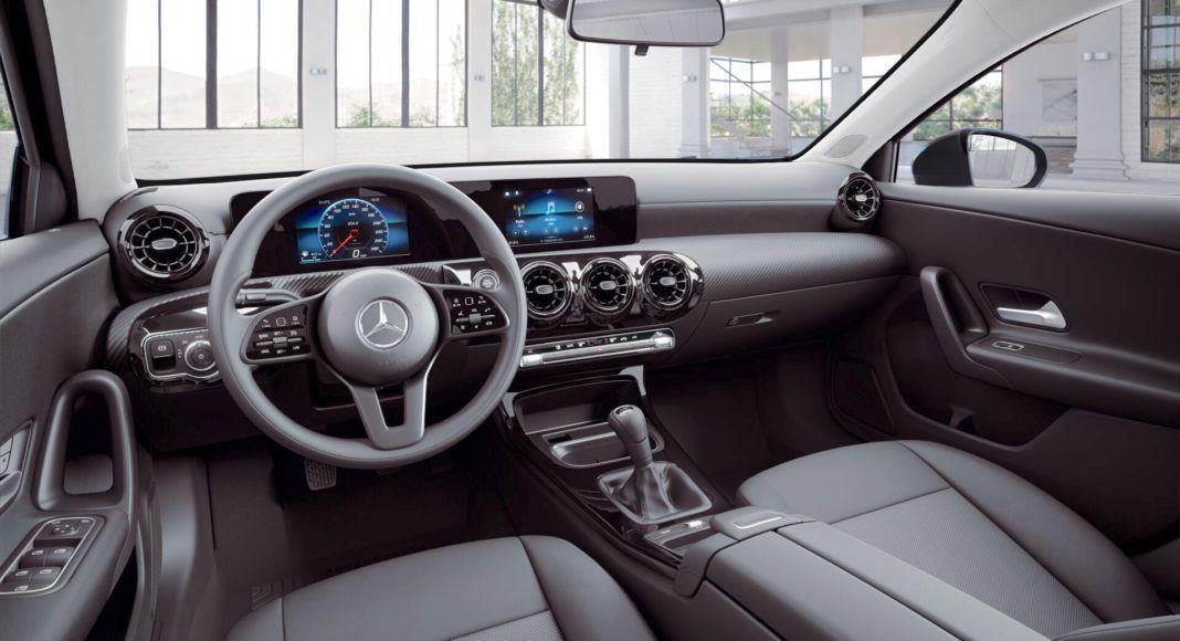Mercedes klasy A - kokpit