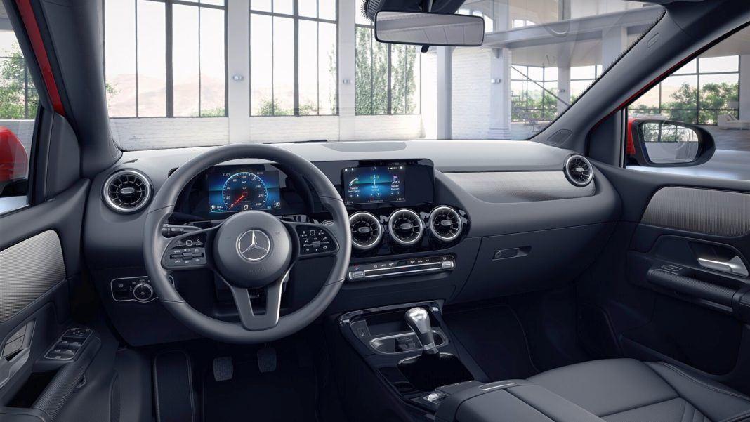 Mercedes klasy B - kokpit