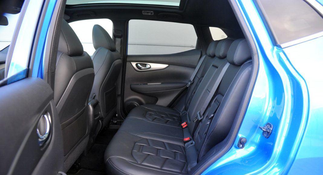 Nissan Qashqai 1.3 DIG-T - kanapa