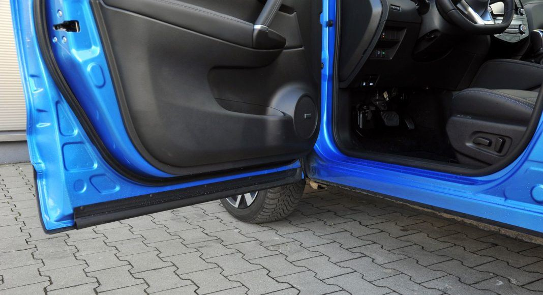 Nissan Qashqai 1.3 DIG-T - próg