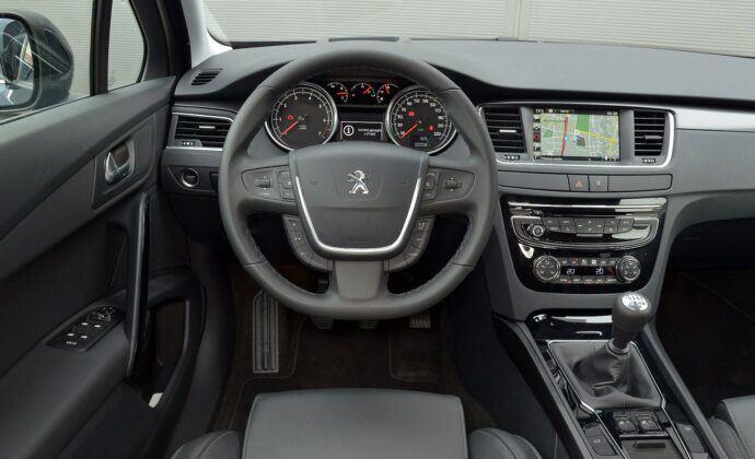 Peugeot 508 I deska rozdzielcza