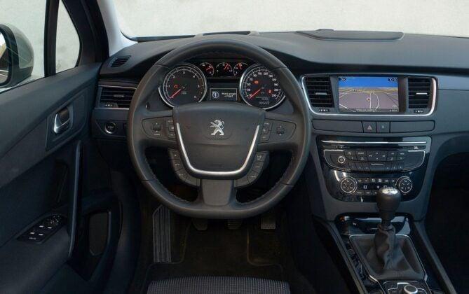 Peugeot 508 I deska rozdzielcza (3)