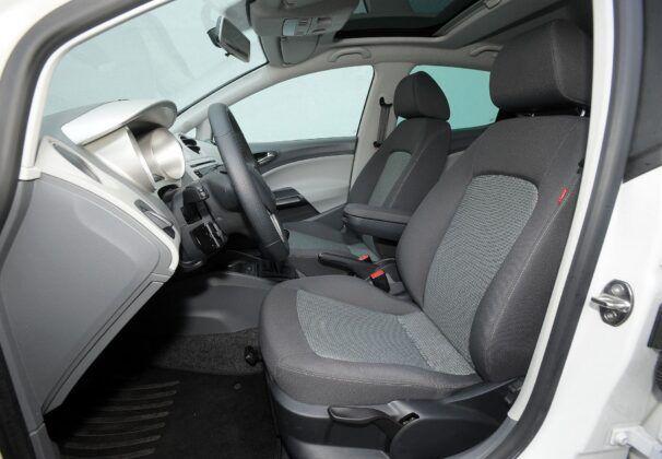Seat Ibiza IV fotel kierowcy (3)