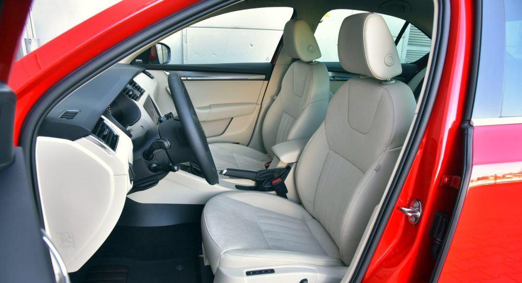 Skoda Octavia 1.0 TSI DSG - fotel kierowcy