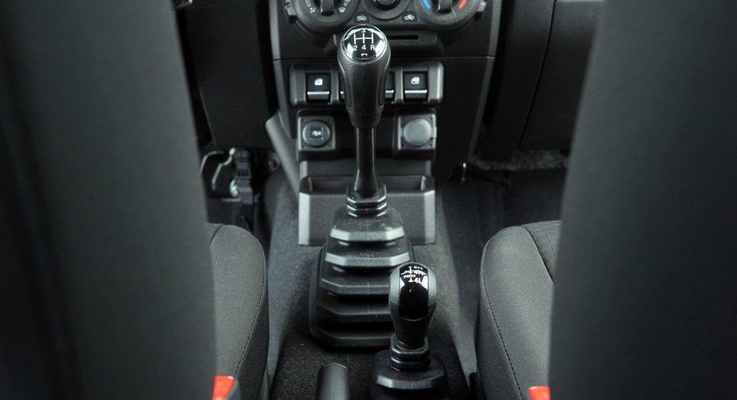 Suzuki Jimny - dźwignie