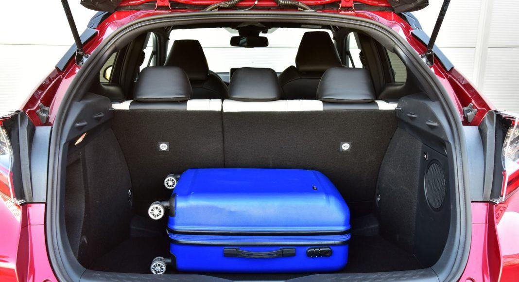 Toyota C-HR Hybrid - bagażnik