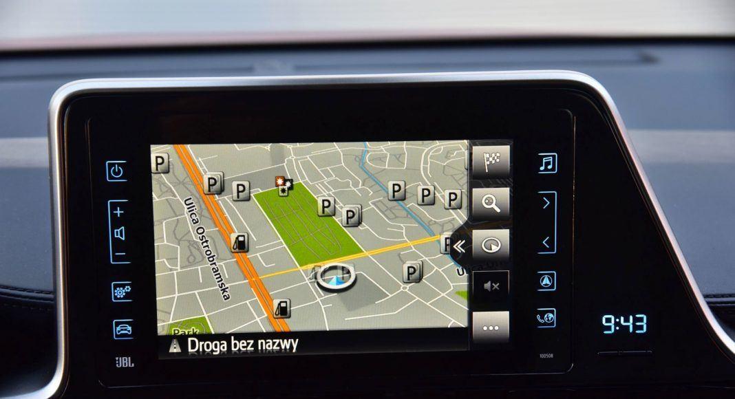 Toyota C-HR Hybrid - ekran