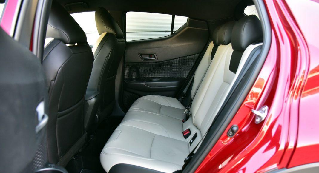 Toyota C-HR Hybrid - kanapa