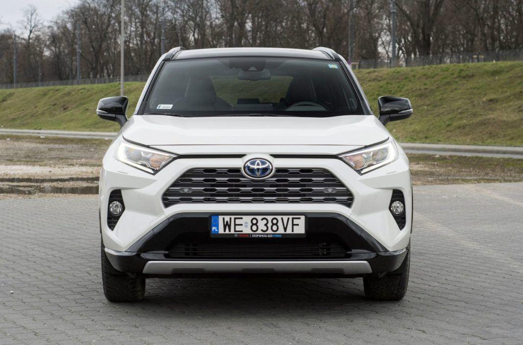 Toyota RAV4 Hybrid - przód