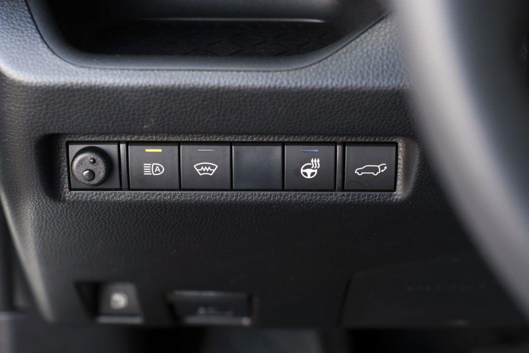 Toyota RAV4 Hybrid - przełączniki