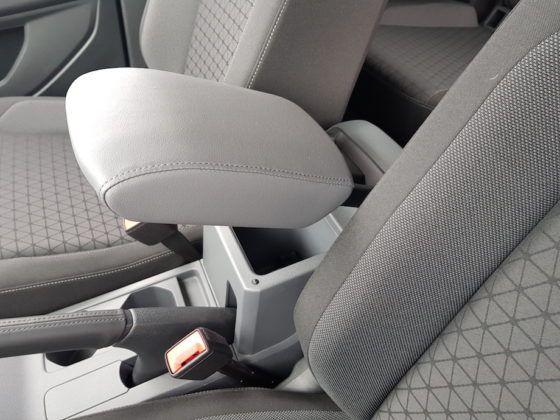 Volkswagen T-Cross - regulowany podłokietnik