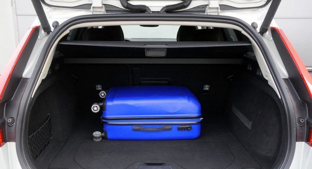 Volvo V60 - bagażnik