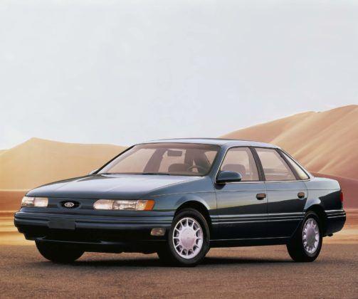 Ford Taurus - pierwsza generacja po liftingu (1992)