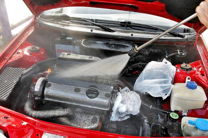 mycie silnika