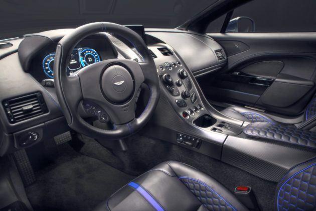 Aston Martin Rapide E - kokpit