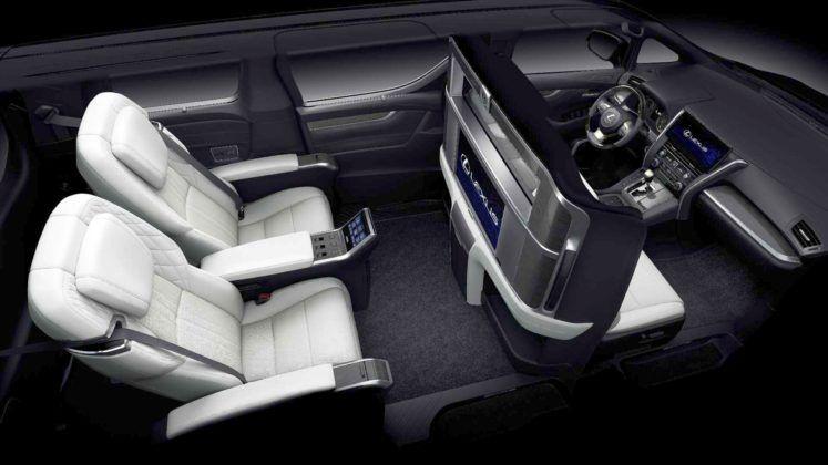 Lexus LM - kabina