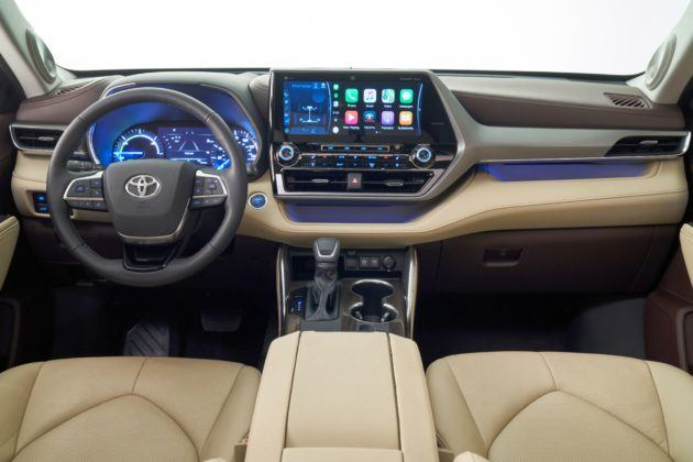 2020 Toyota Highlander - kokpit