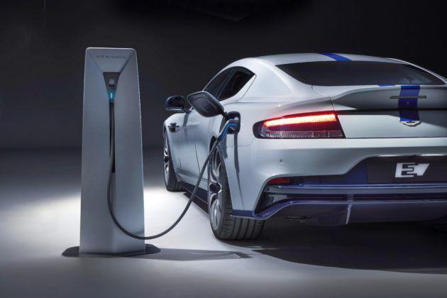 Aston Martin Rapide E - ładowanie
