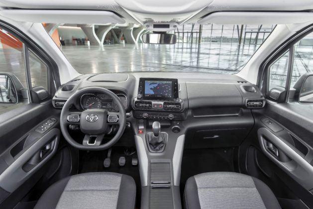 2020 Toyota Proace City Verso - kokpit